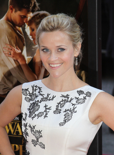 Reese Witherspoon Blonde, Chic Updo