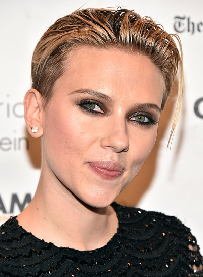 Scarlett Johansson with a Short, Brunette, Straight, Edgy Hairstyle Pictures