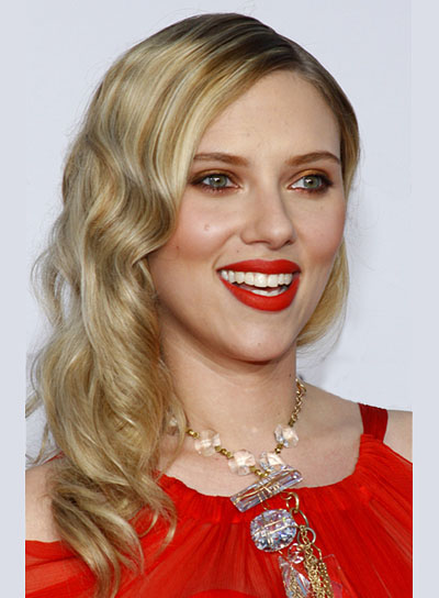 Scarlett Johansson Long, Curly, Blonde Hairstyle