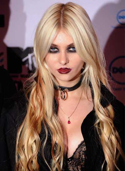 Taylor Momsen Long, Tousled, Blonde Hairstyle