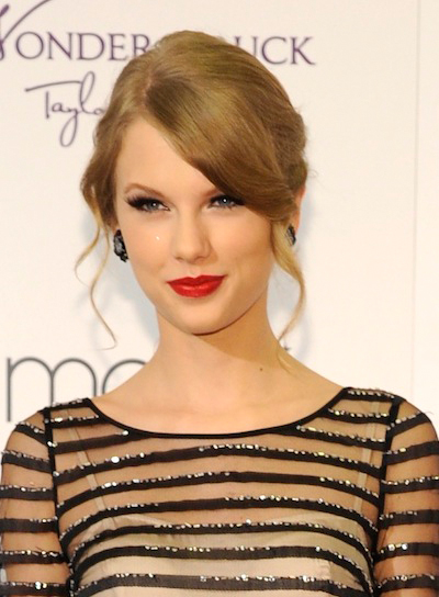 Taylor Swift Wavy, Romantic, Thick, Blonde Updo