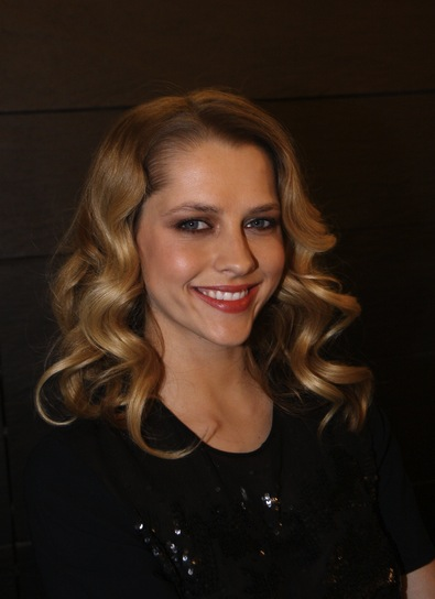 Teresa Palmer Medium, Wavy, Romantic, Blonde Hairstyle